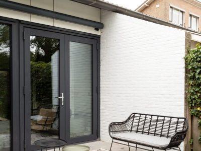 Huis en Zon raamdecoratie en zonwering - uitvalzonnescherm bij vtwonen metamorfose in Uden