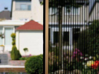 Huis en Zon Raamdecoratie en Zonwering – horren en insectenhorren Hordeur